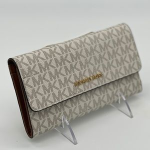 Michael Kors JST LG Trifold Vanilla Wallet